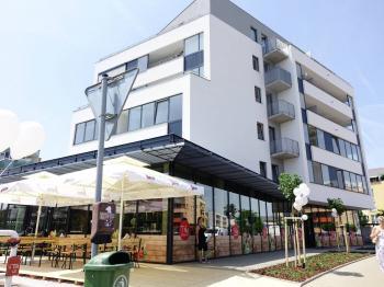 Pronájem komerčního objektu 1003 m², Hradec Králové