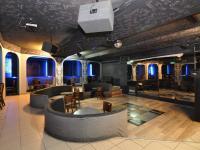 Hlavní prostor, pohled od baru (Pronájem restaurace 125 m², Praha 5 - Smíchov)