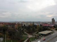 výhled z terasy (Prodej bytu 1+kk v osobním vlastnictví 36 m², Praha 9 - Vysočany)