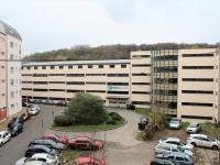 pohled z bytu (Prodej bytu 1+kk v osobním vlastnictví 36 m², Praha 9 - Vysočany)