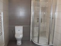 koupelna (Prodej bytu 1+kk v osobním vlastnictví 30 m², Praha 9 - Vysočany)
