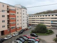 výhled z bytu (Prodej bytu 1+kk v osobním vlastnictví 30 m², Praha 9 - Vysočany)