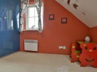 Dětský pokoj se skříní na míru (Prodej domu v osobním vlastnictví 115 m², Zdiby)