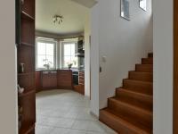Obytný prostor v přízemí (Prodej domu v osobním vlastnictví 115 m², Zdiby)