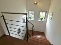 Schodiště (Prodej domu v osobním vlastnictví 115 m², Zdiby)
