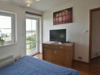 Ložnice s balkonem (Prodej domu v osobním vlastnictví 115 m², Zdiby)