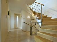 Chodba (Prodej domu v osobním vlastnictví 160 m², Postřižín)