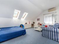Prodej domu v osobním vlastnictví 516 m², Řevnice