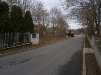 přístupová komunikace - Prodej pozemku 1816 m², Černošice
