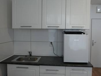 Prodej bytu 1+kk v osobním vlastnictví 18 m², Praha 10 - Hostivař
