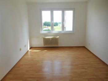 Pokoj - Pronájem bytu 1+1 v družstevním vlastnictví 35 m², Odolena Voda