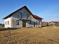 Pohled ze zahrady (Prodej domu v osobním vlastnictví 220 m², Roudné)