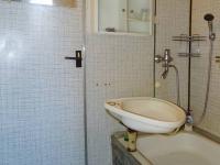 koupelna (Prodej bytu 1+1 v osobním vlastnictví 44 m², Jindřichův Hradec)