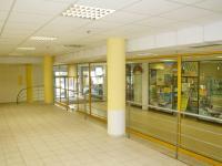do pasáže (Pronájem obchodních prostor 185 m², České Budějovice)