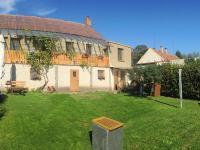 dům - pohled ze zahrady (Prodej domu v osobním vlastnictví 80 m², Ločenice)