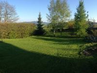 zahrada (Prodej domu v osobním vlastnictví 80 m², Ločenice)