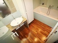 koupelna (Prodej bytu 3+kk v osobním vlastnictví 77 m², České Budějovice)