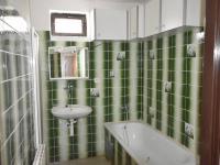 koupelna 1.patro (Prodej domu v osobním vlastnictví 380 m², Dolní Dvořiště)
