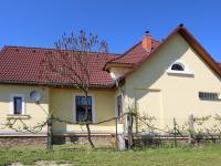 boční pohled (Prodej domu v osobním vlastnictví 200 m², Haškovcova Lhota)