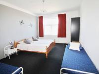 ložnice 3 - pravá část (Prodej domu v osobním vlastnictví 200 m², Haškovcova Lhota)