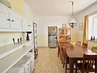 jídelna - pravá část (Prodej domu v osobním vlastnictví 200 m², Haškovcova Lhota)