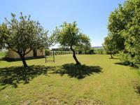 zahrada (Prodej domu v osobním vlastnictví 200 m², Haškovcova Lhota)