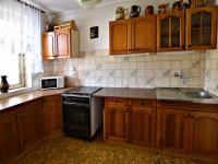kuchyň 1.patro (Prodej domu v osobním vlastnictví 291 m², Jílové u Prahy)