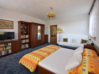 ložnice 1.patro (Prodej domu v osobním vlastnictví 291 m², Jílové u Prahy)