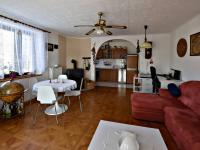 obývák přízemí (Prodej domu v osobním vlastnictví 291 m², Jílové u Prahy)