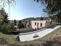 ze zahrady (Prodej domu v osobním vlastnictví 291 m², Jílové u Prahy)
