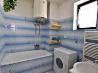 koupelna 1.patro (Prodej domu v osobním vlastnictví 291 m², Jílové u Prahy)