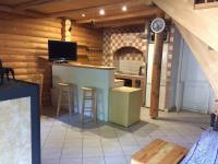 obývací pokoj s kuchyní (Prodej chaty / chalupy 80 m², Kaplice)