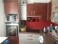 Kuchyňská linka (Prodej bytu 3+1 v osobním vlastnictví 73 m², České Budějovice)