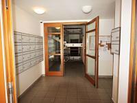 společné prostory (Prodej bytu 2+kk v osobním vlastnictví 49 m², České Budějovice)