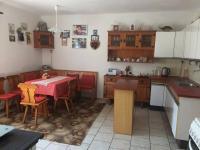 kuchyň v přízemí (Prodej domu v osobním vlastnictví 150 m², Kaplice)