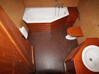 koupelna (Prodej domu v osobním vlastnictví 220 m², Mirkovice)