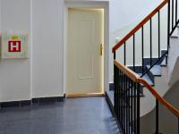 SPOLEČNÁ CHODBA DOMU - Pronájem kancelářských prostor 86 m², České Budějovice