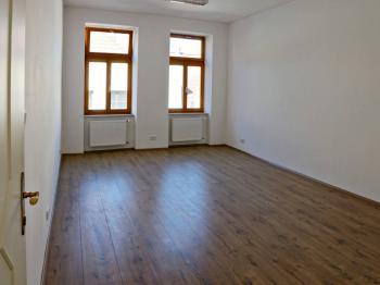 KANCELÁŘ 1 - Pronájem kancelářských prostor 86 m², České Budějovice