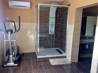koupelna (Prodej domu v osobním vlastnictví 120 m², Dolní Dvořiště)