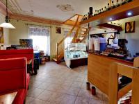 kavárna přední část - Prodej domu v osobním vlastnictví 450 m², Třeboň