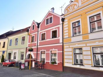 čelní strana domu - Prodej domu v osobním vlastnictví 450 m², Třeboň