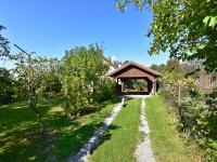 vjezd na pozemek (Prodej domu v osobním vlastnictví 140 m², Nové Hrady)