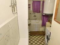 koupelna (Prodej domu v osobním vlastnictví 140 m², Nové Hrady)