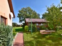 zahrada 1 (Prodej domu v osobním vlastnictví 140 m², Nové Hrady)