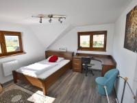 Podkroví - pokoj 2 (Prodej domu v osobním vlastnictví 157 m², Horní Stropnice)