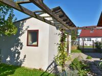 Vjezd + parkovací stání (Prodej domu v osobním vlastnictví 157 m², Horní Stropnice)