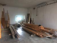 garáž (Prodej domu v osobním vlastnictví 100 m², Dvory)