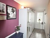 šatna mezipatro - Prodej domu v osobním vlastnictví 240 m², Hluboká nad Vltavou