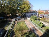 zahrada - příjezd - Prodej domu v osobním vlastnictví 240 m², Hluboká nad Vltavou