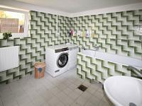 prádelna - Prodej domu v osobním vlastnictví 240 m², Hluboká nad Vltavou